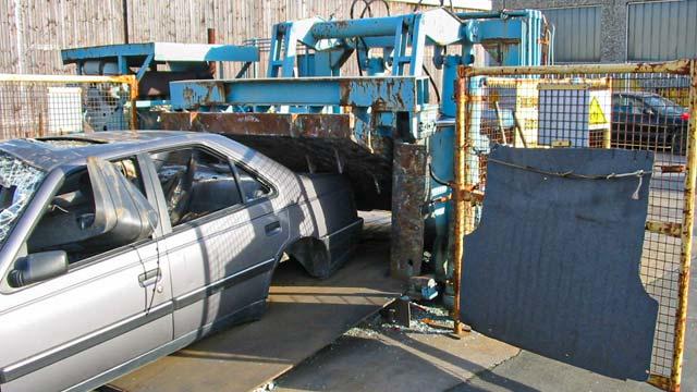 auto-klug-entsorgt-autoverwertung-3-klein